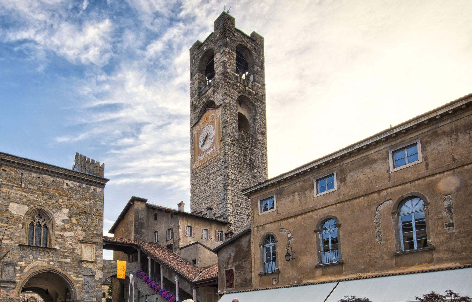 Informazione di bergamo lombardia italia torre civica for Mercatini bergamo e provincia oggi
