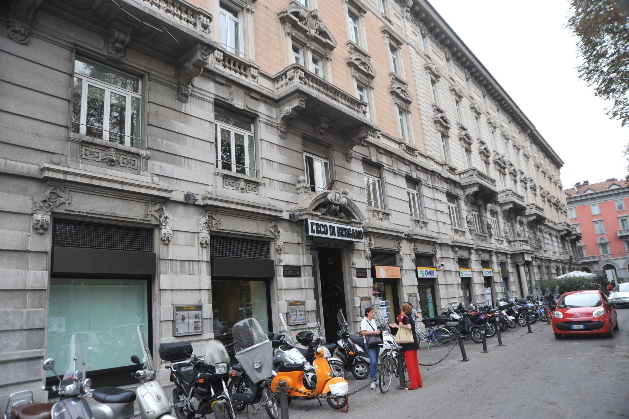Foto palazzo rezzara leco di bergamo giornale provincia di for Mercatini bergamo e provincia oggi