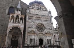 foto dei paesi bergamo lombardia italia cappella colleoni religione punto di riferimento storico