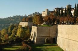 foto dei paesi di bergamo lombardia italia le mura monumento paesaggio antico