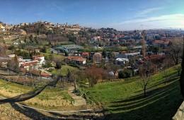immagini bergamo di notte panoramica provincia di bergamo Night begins in Bergamo Citta Alta