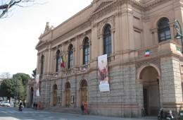 informazione di bergamo lombardia italia cittá teatro donizzetti monumento spettacoli